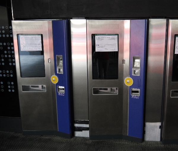 Ticket machines 600.jpg