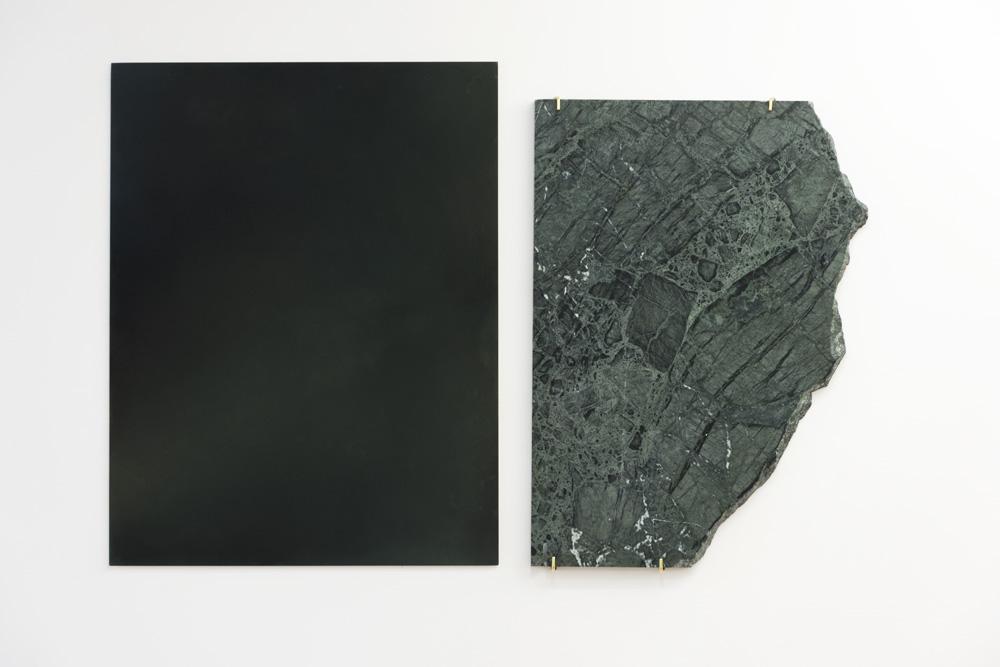 Amy Hilton ,  Miroir-fenêtre II,  2017, pastel sec sur papier et marbre, 65 x 50 cm