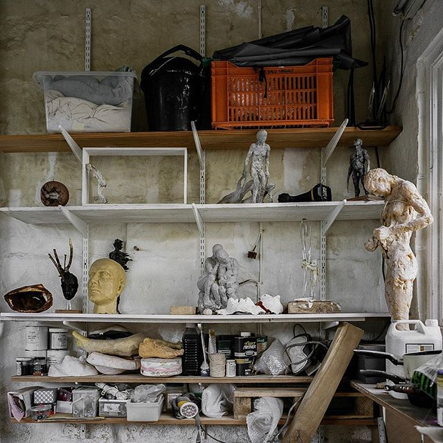 BTS - Studio shots of our visit during shooting with Anna. Please check our bio link to watch the short film running 7 mins. . @annagillespiesculpture #sculptureart #sculptures #sculptureartist #sculpture #artvisit #discoverart #artiststudio #artinsitu #travelforart #artistdocumentary #artdocumentary #artistinterview #artistinstudio #artistportrait #documentaryfilm #shotonfilm #studiovisit