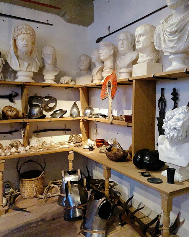 Rembrandts' Collection. . #rembrandt #rembrandthouse #artvisit #artiststudio #studiovisit #interiorstyle #oldmasters #artcollection