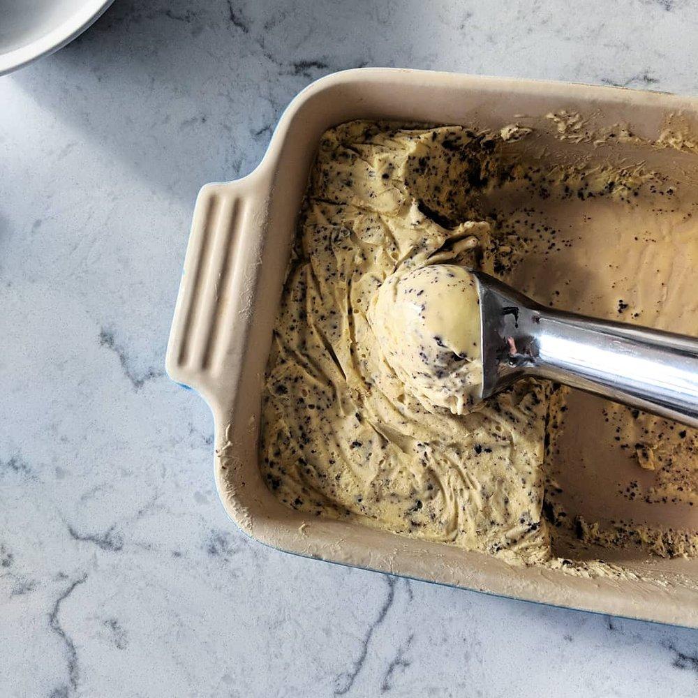 malted_cookies_and_cream_ice_cream_scooper.jpg