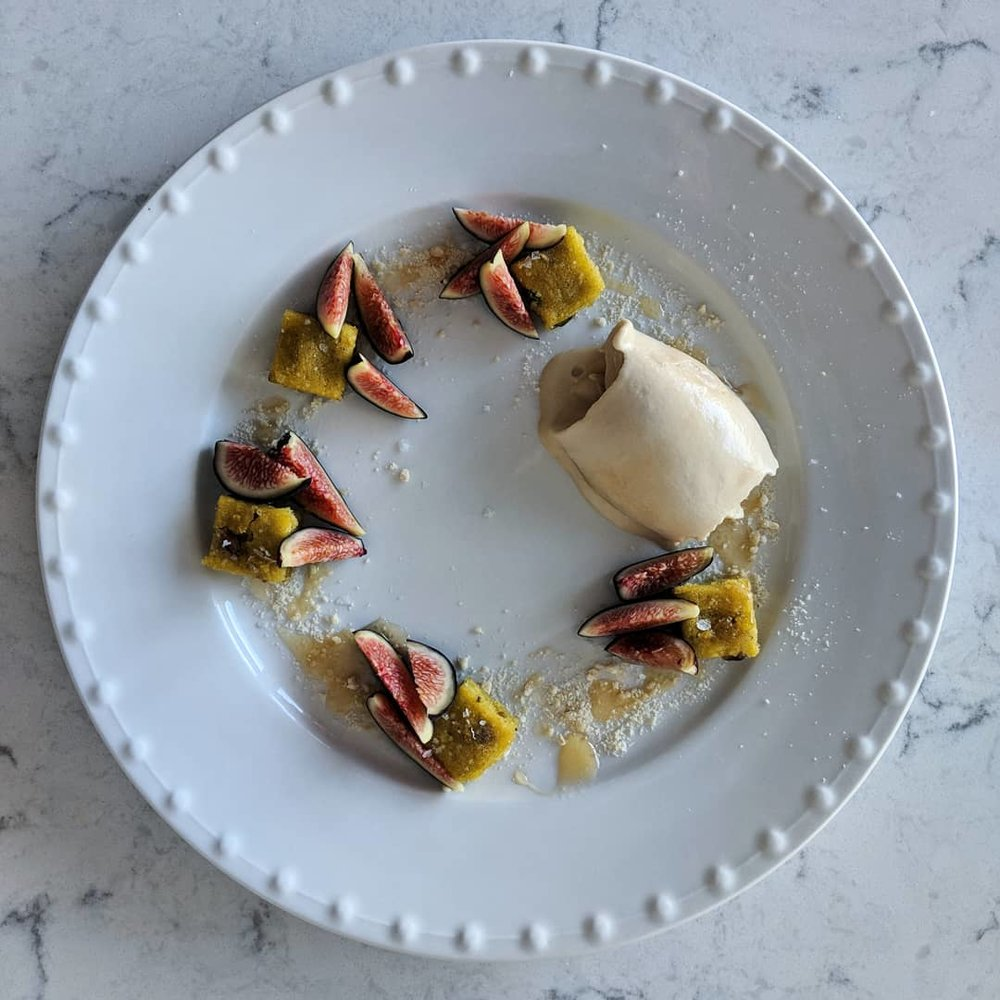 honey_ice_cream_figs_pistachio_cake.jpg