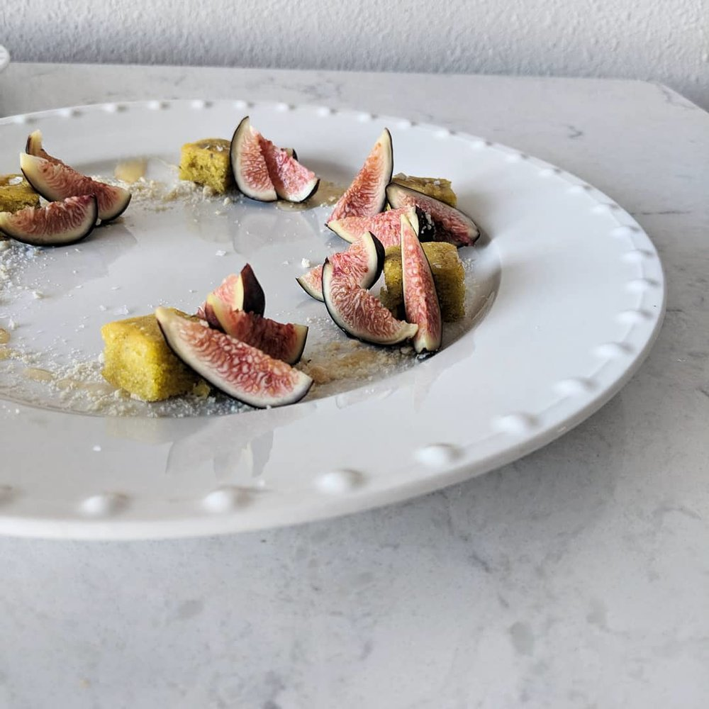 closeup_figs_and_pistachio_cake.jpg