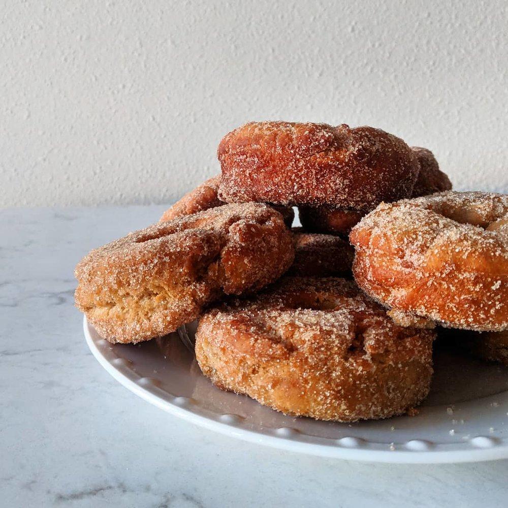 apple_cider_donuts_pile.jpg