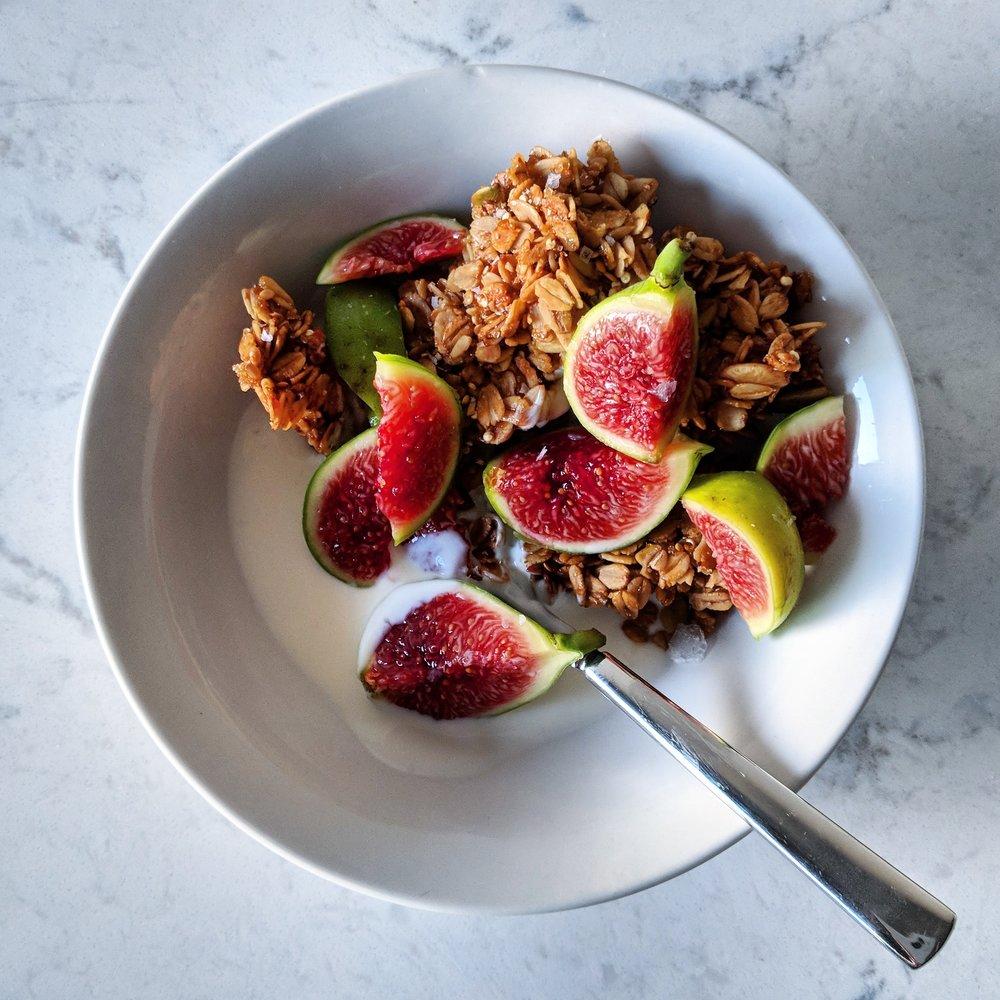 honey_pistachio_granola_with_yogurt_and_figs.jpg