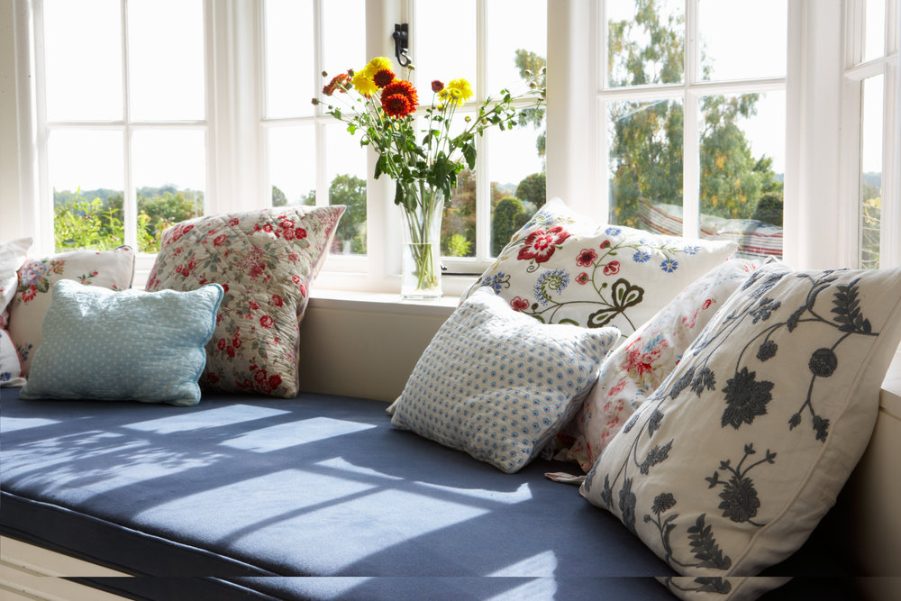window bench seat cushions blinds curtains spring floral lewes brighton east west sussex made to measure.jpg