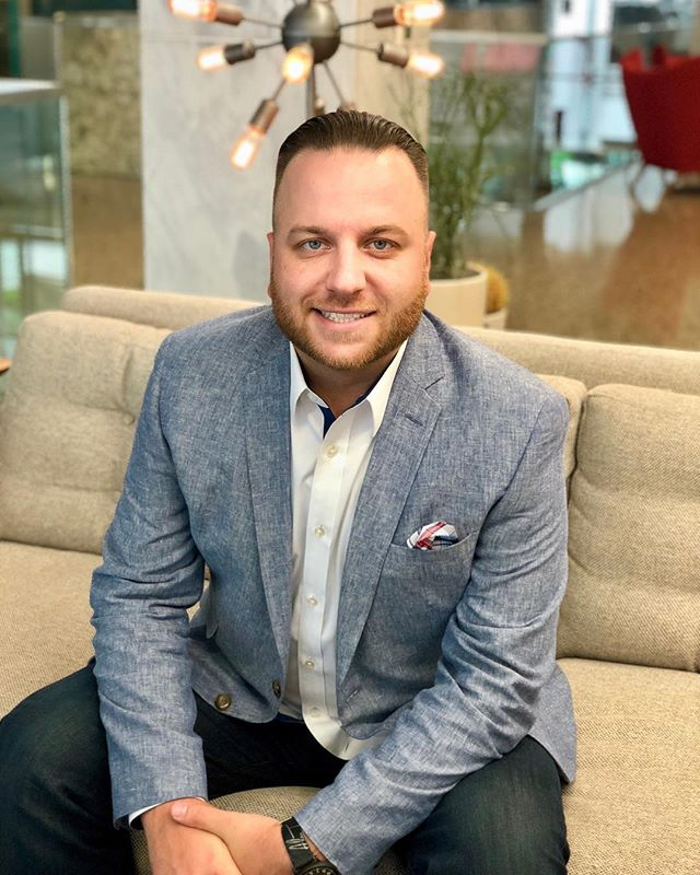 A big congratulations goes out to our Amber Engine colleague Dan Wieczorek for being named to the Home Furnishings Business 2018 Forty Under 40 List! You can learn more about Dan and his fellow honorees from hfbusiness: https://bit.ly/2N0flh1.  #fortyunder40 #KeepitupDan