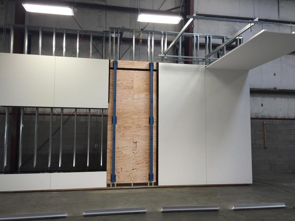 hanger-panel_500k.jpg