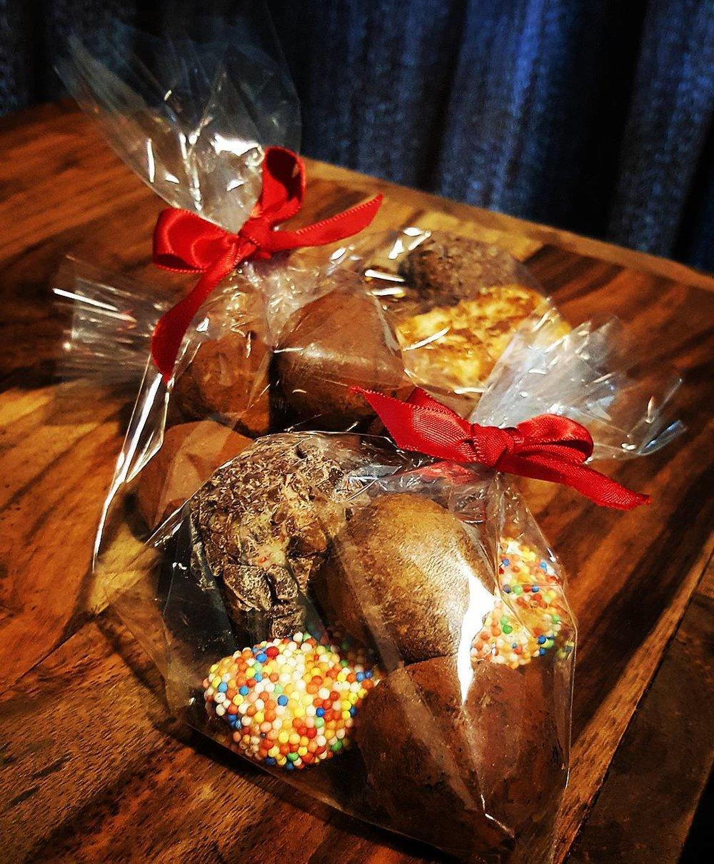 chocolate truffle wedding favours