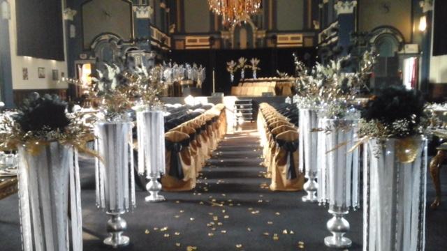 Entrée de la mariée - fleurs.JPG
