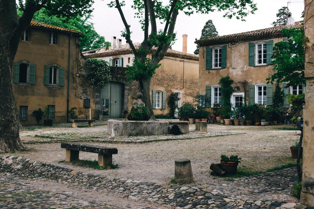 Bilden är tagen i den pyttelilla staden Villanuvette, Frankrikes minsta.