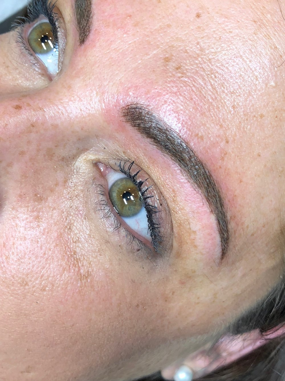 Combo Brow immediately after on sensitive skin