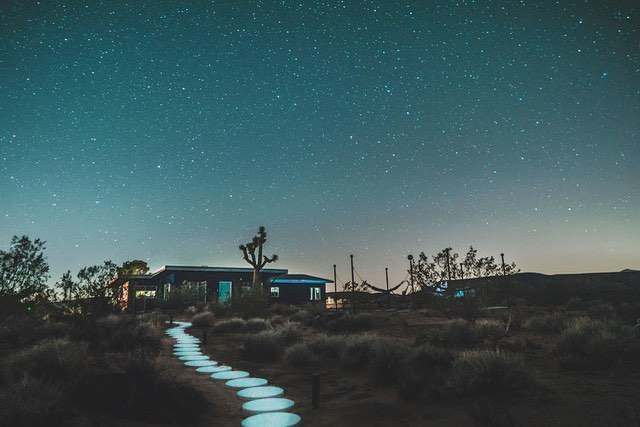 👽🌵✨ . . 📸 @gabevega . . . #starshiplanding #starshipluna #airbnb#airbnbphoto @airbnb #vacationrental#airbnbvacationrental #joshuatree#yuccavalley #pioneertown #landers#rimrock #pipescanyon#wondervalley#flamingoheights #aliens#realestate #vacation #highdesert#livingroom #livingroomvibes #design#california #travel #travelgram #👽 🔑 Managed by @thecohostcompany