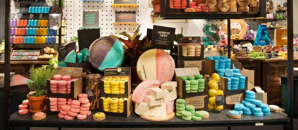 Lush+Naked+shop+Milan.jpg