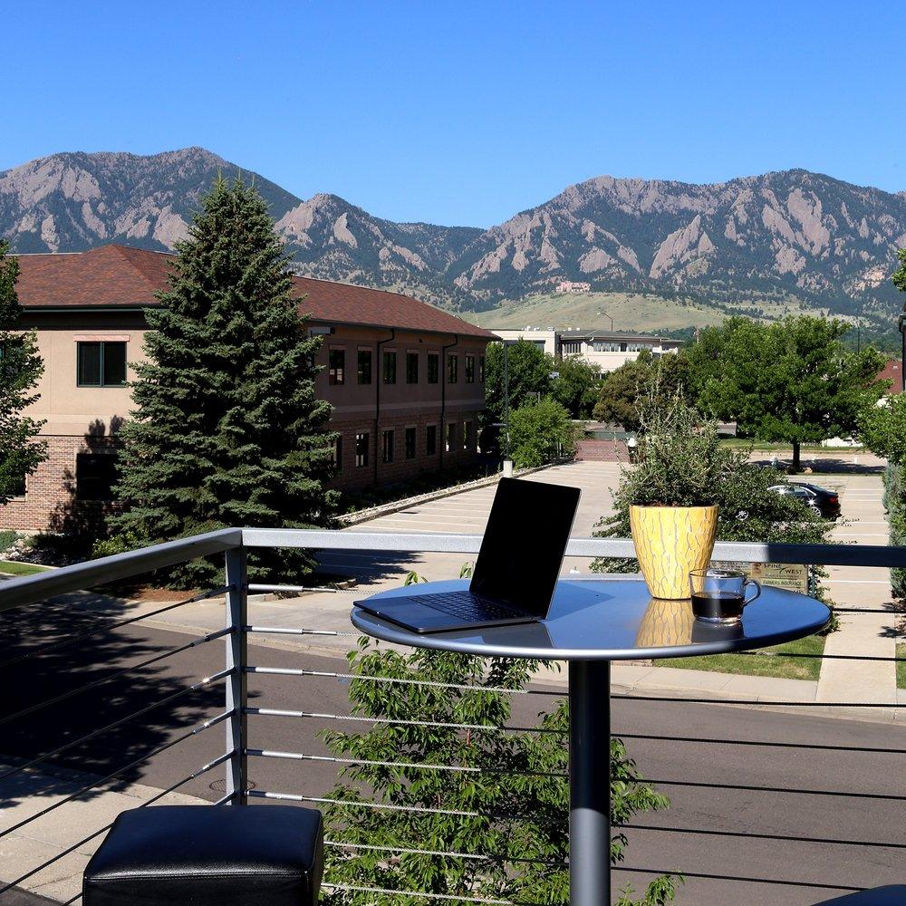 Mountain view w laptop.jpg