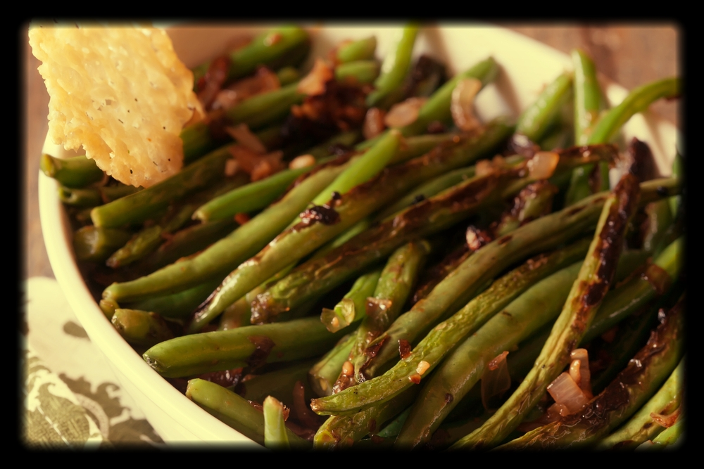 Blistered Green Beans | The Tish Kitchen | Food & Lifestyle Blogger