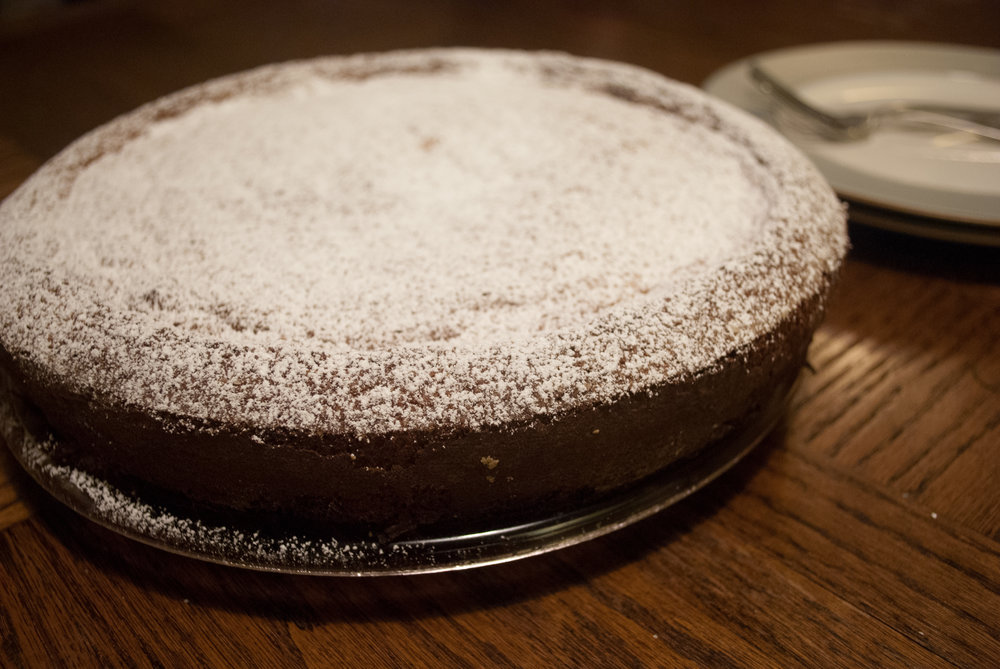 whole majorcan almond cake