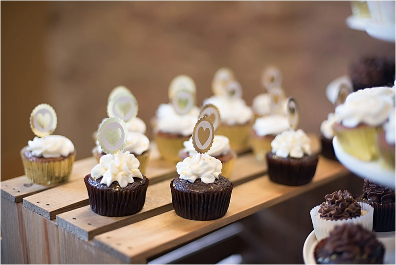 wedding cupcakes gold and ivory
