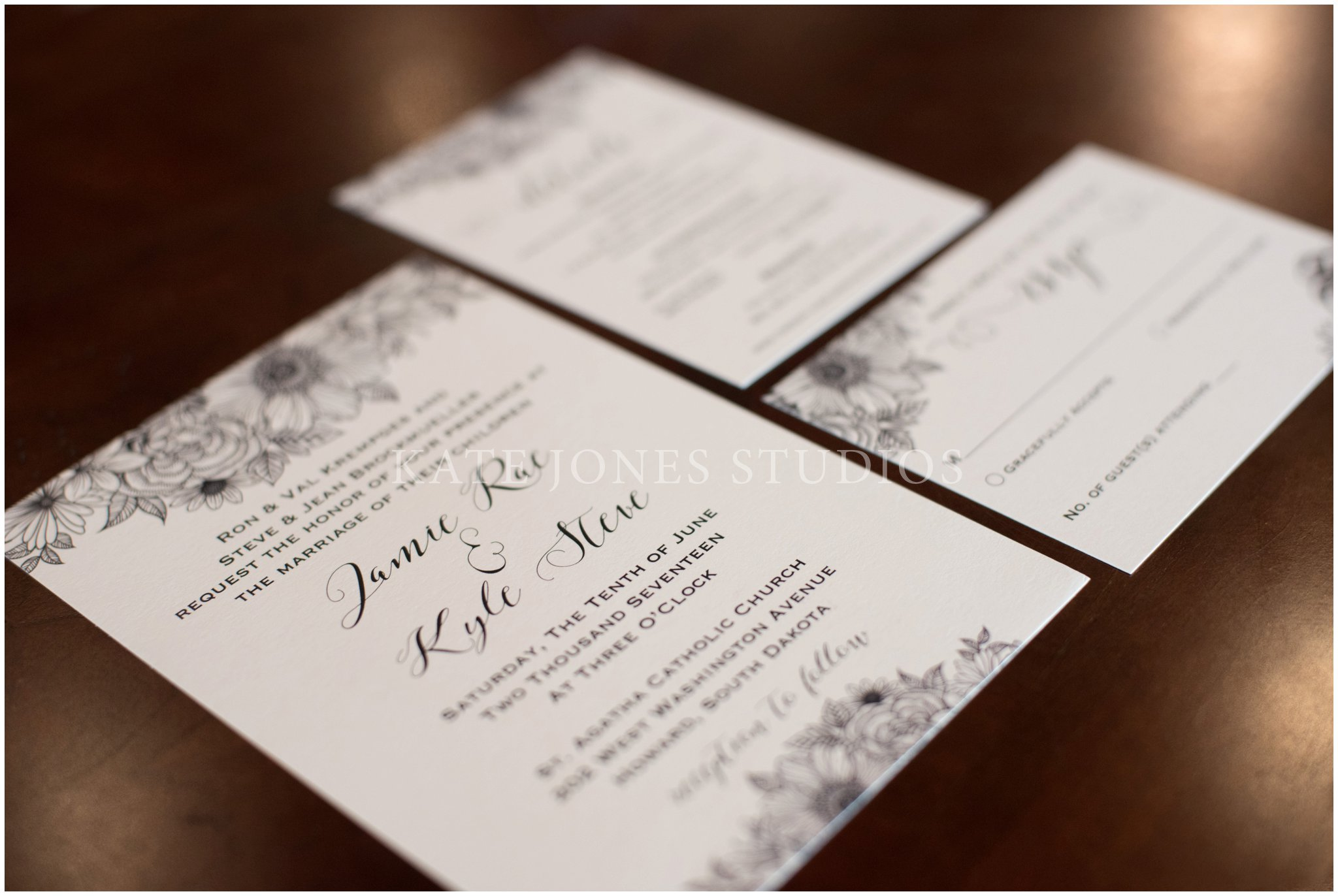 minimal black and white invitation suite