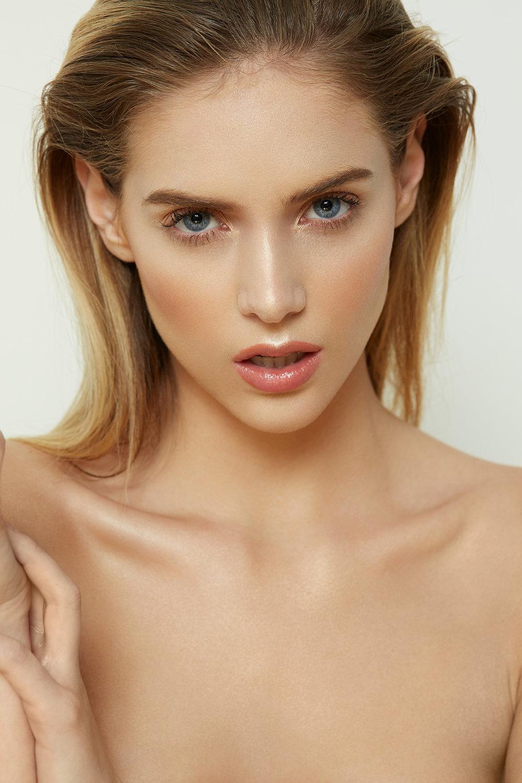 Kari---Beauty27974.jpg
