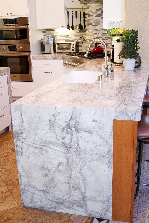 Exceptionnel Super White, Dolomite (Marble)