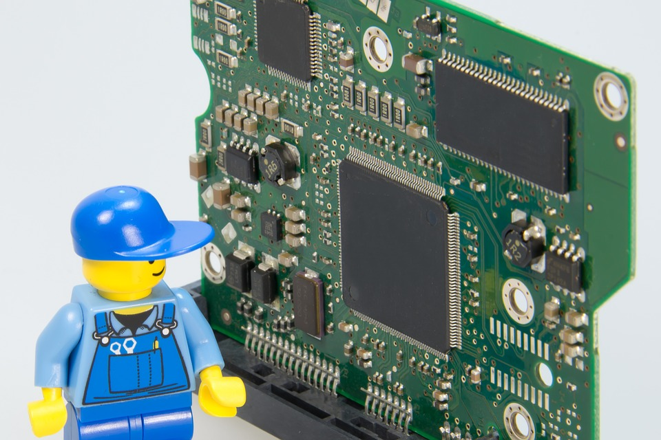 electrician-499799_960_720.jpg