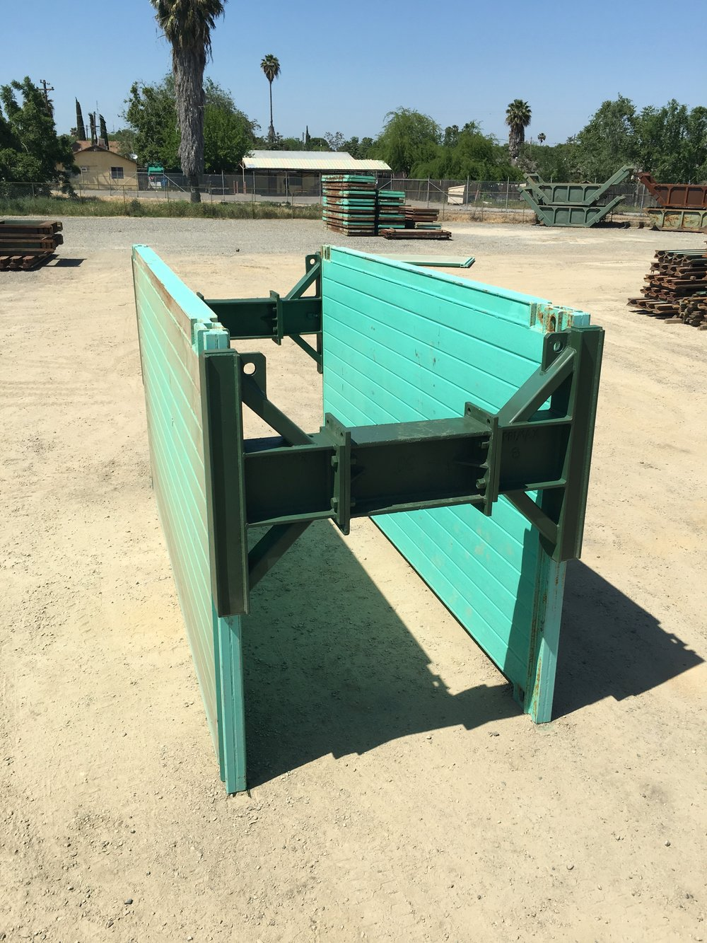 Trench Shields with Sliding Spreaders -