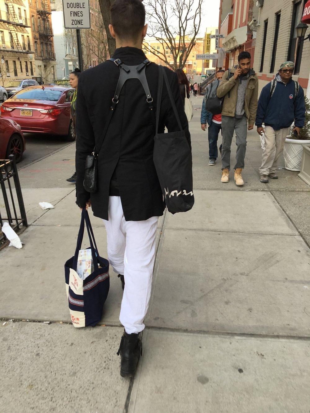 ハーネス風なバッグ