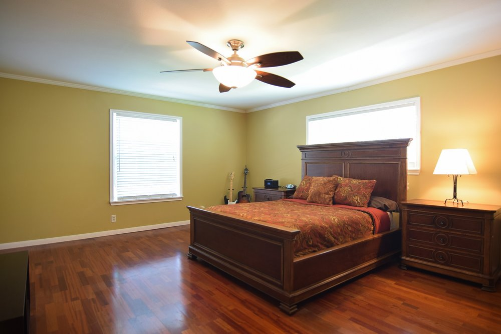 Master Bedroom 10020 Harwich Dallas TX 75229.jpg