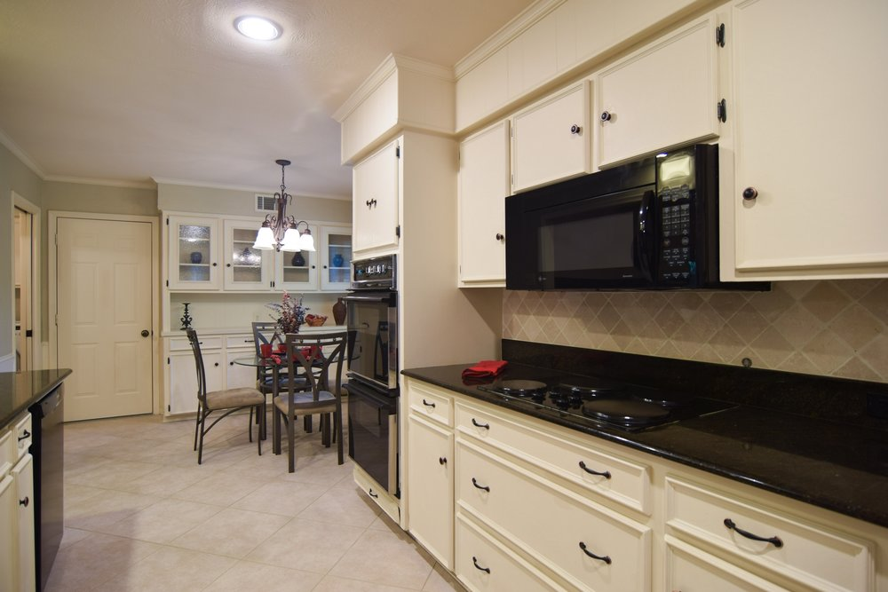 3222 Waldrop Dr Dallas TX 75229 DSC_0032-Kitchen.jpg