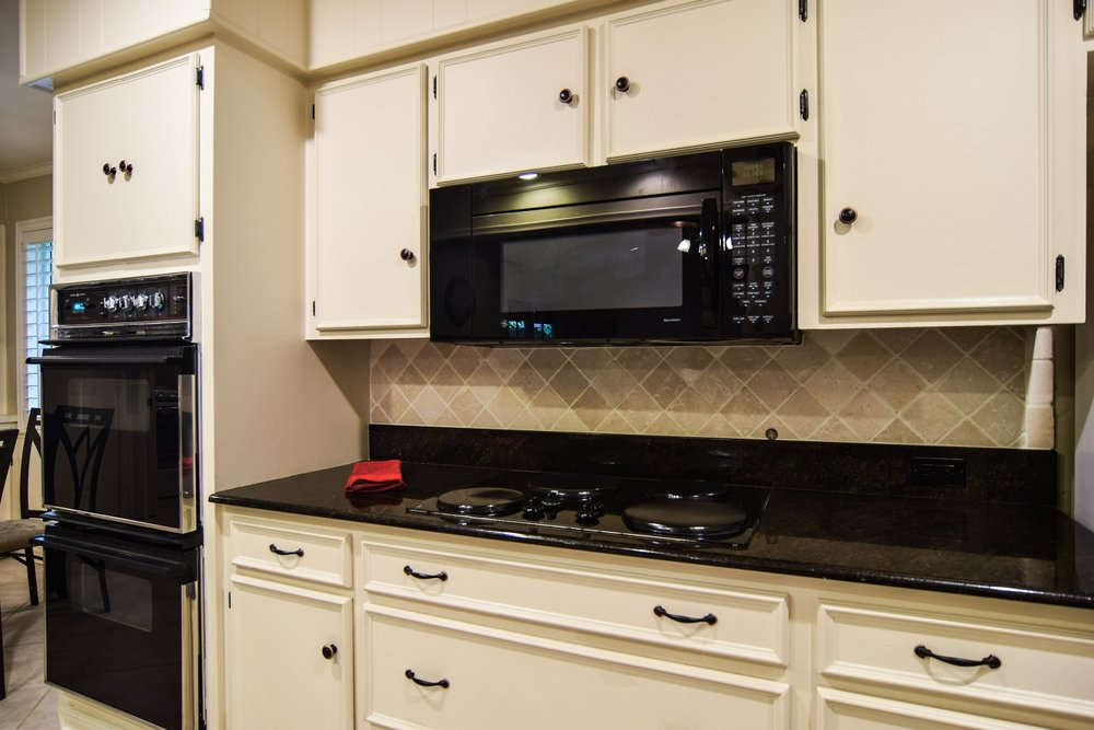 3222 Waldrop Dr Dallas TX 75229 DSC_0033-Kitchen.jpg