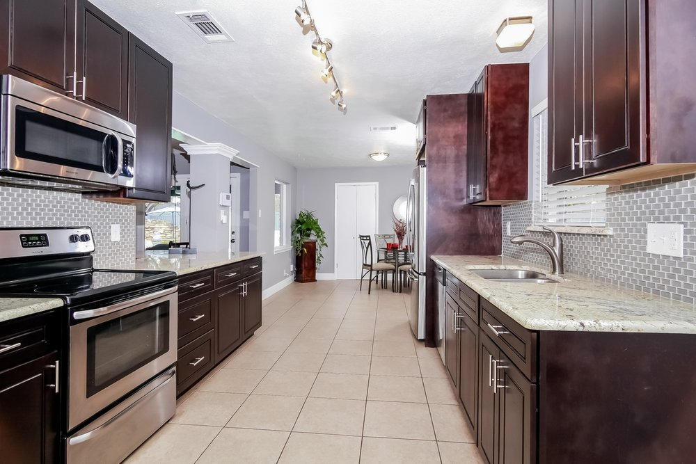 Full Kitchen RobertJoryGroup 3240 Timberview Rd Dallas TX 75229.jpg