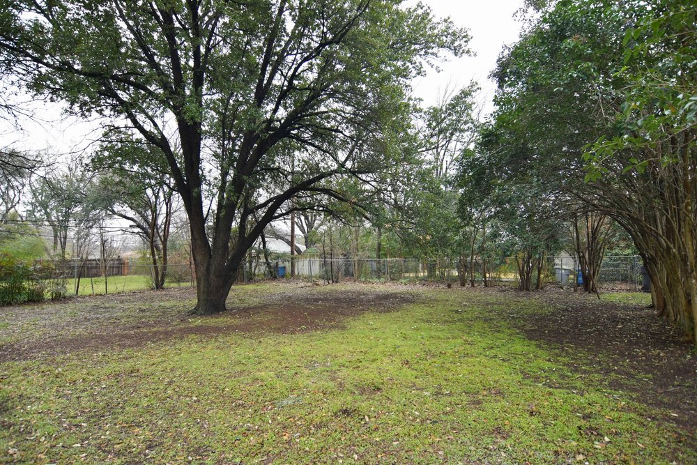 Back Yard 2 2716 Woodmere Dallas TX 75233.jpg