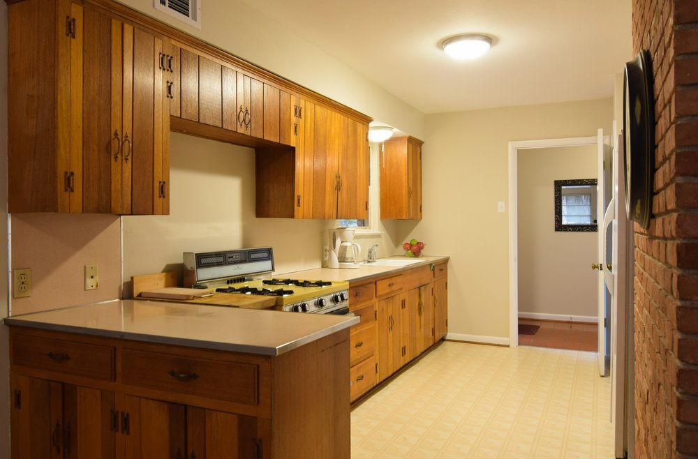 Kitchen 2716 Woodmere Dallas TX 75233.jpg