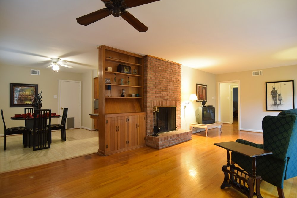 Living Room f 2716 Woodmere Dallas TX 75233.jpg