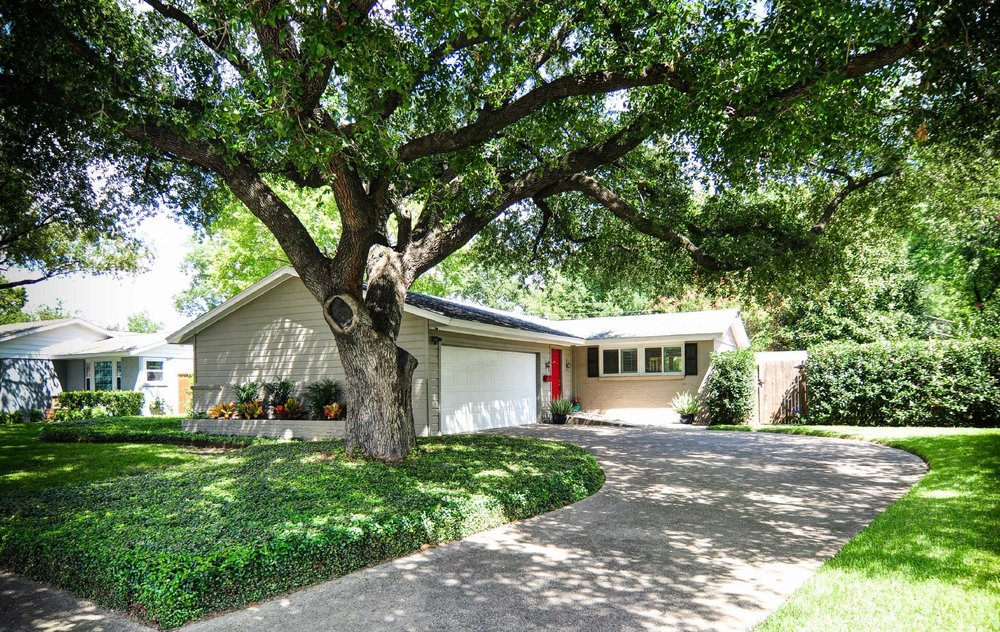 Beautiful Mid-Century home in desirable Timberbrook with lots of mature trees