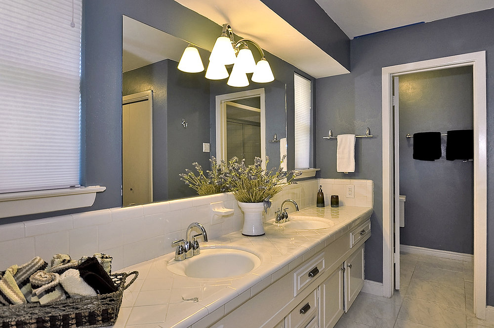 3208 Chapel Downs Dallas Master Bath to toilet.jpg