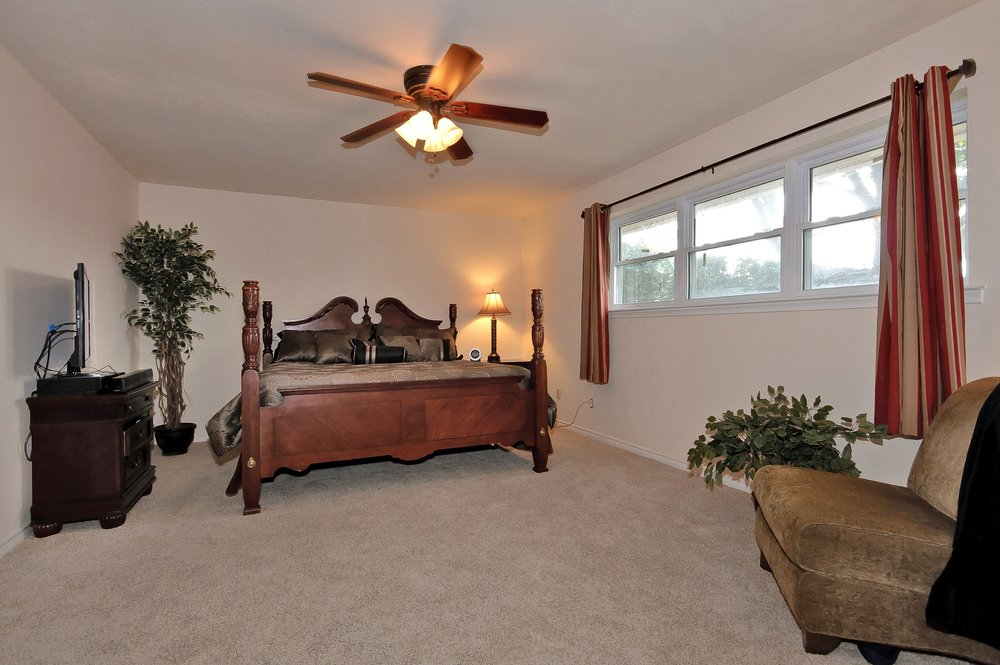 10414 Carry Back Cir Master Bedroom.jpg