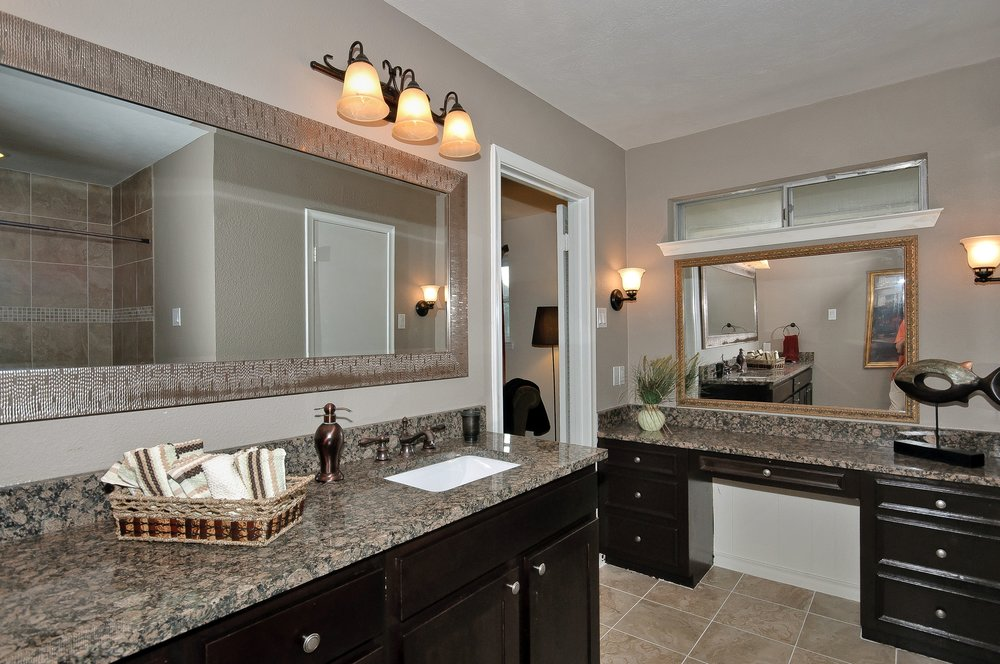 10414 Carry Back Cir Master Bath.jpg
