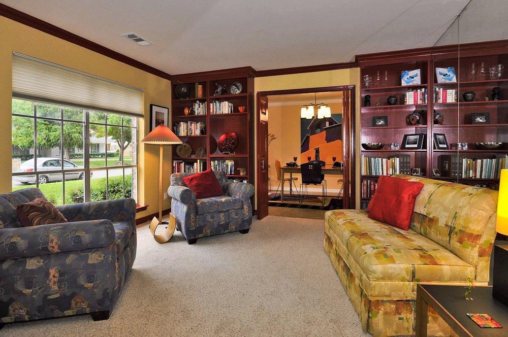 Living Room 3163 Citation Dallas.jpg