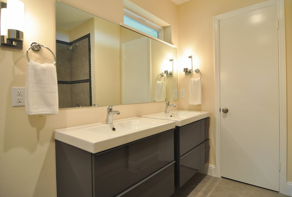MasterBath Vanity 3133 Chapel Downs Dr Dallas TX 75229 Robert Jory.jpg