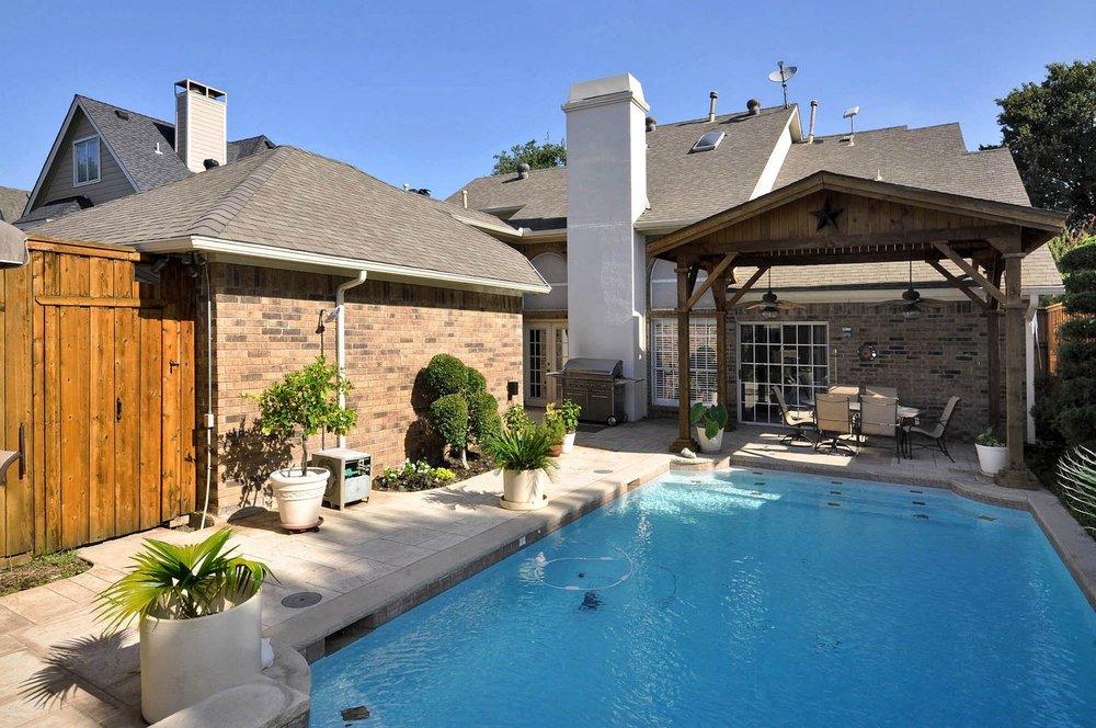 6016 Buffridge Backyard Paradise.jpg