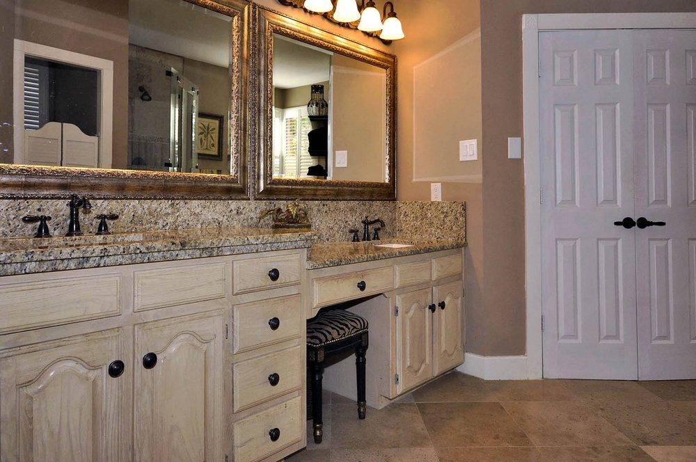 6016 Buffridge Master Bath Vanities.jpg