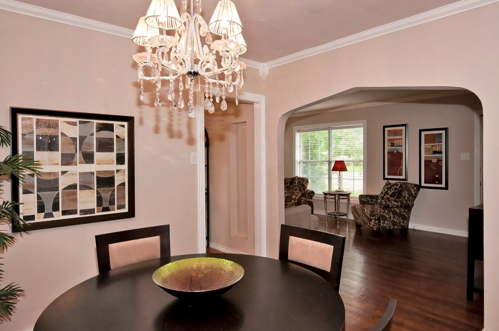 Dining and Living 5137 Lahoma.jpg