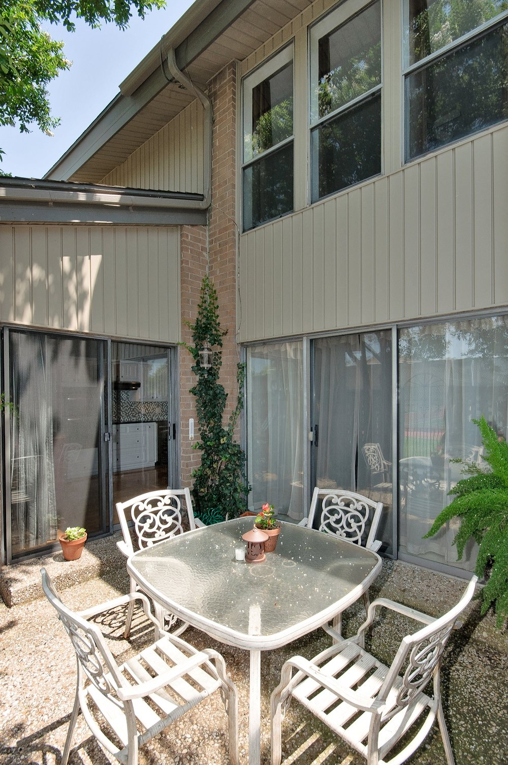 12454 Montego Plaza Patio2 .jpg