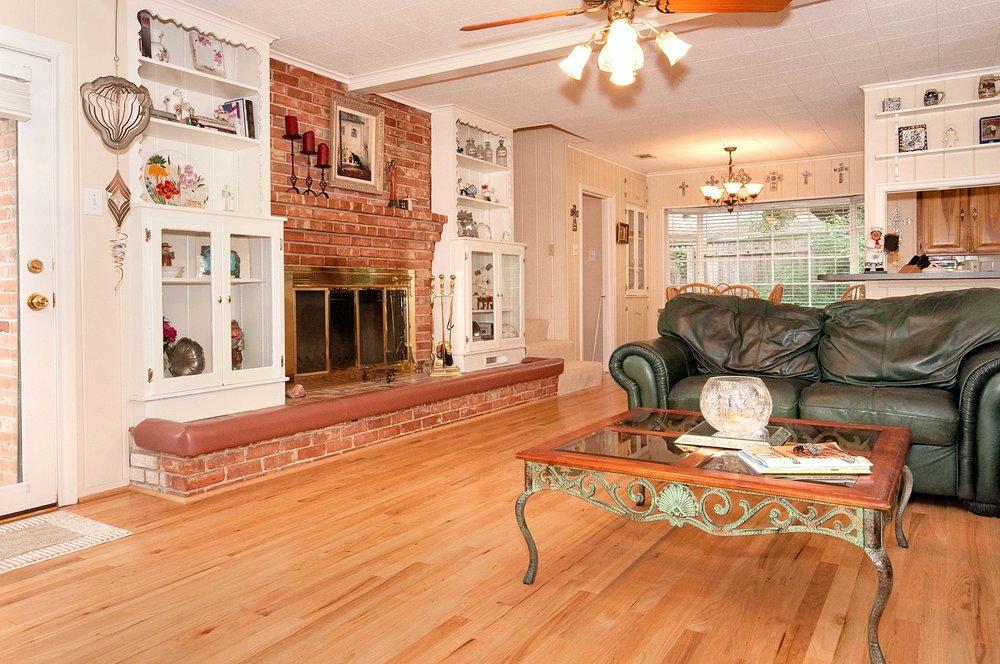 Family Room From Entry.jpg