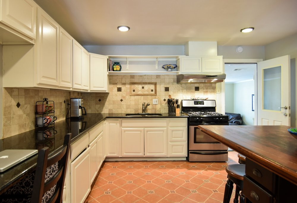 Kitchen2 3112 Catamore Dr Dallas TX 75229.jpg