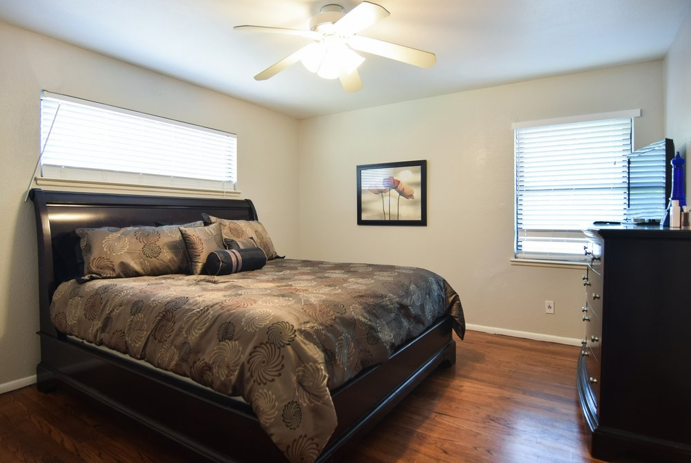 Bed1 3112 Catamore Dr Dallas TX 75229.jpg