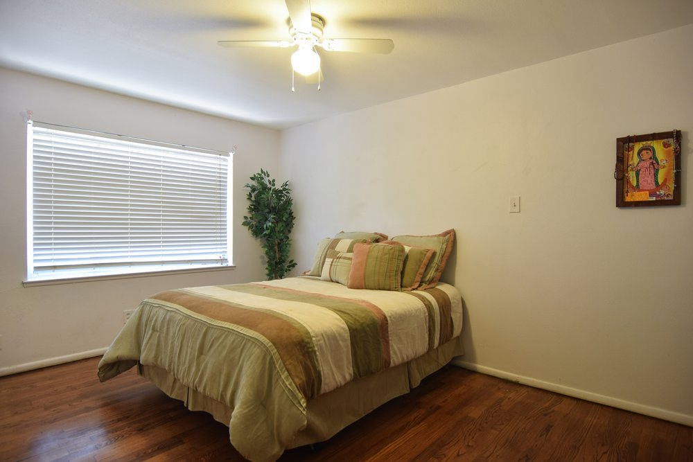 Bed2 3112 Catamore Dr Dallas TX 75229.jpg