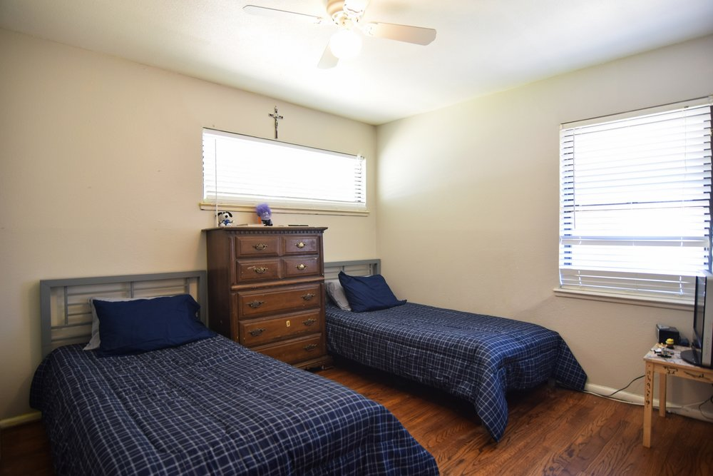 Bed3 3112 Catamore Dr Dallas TX 75229.jpg
